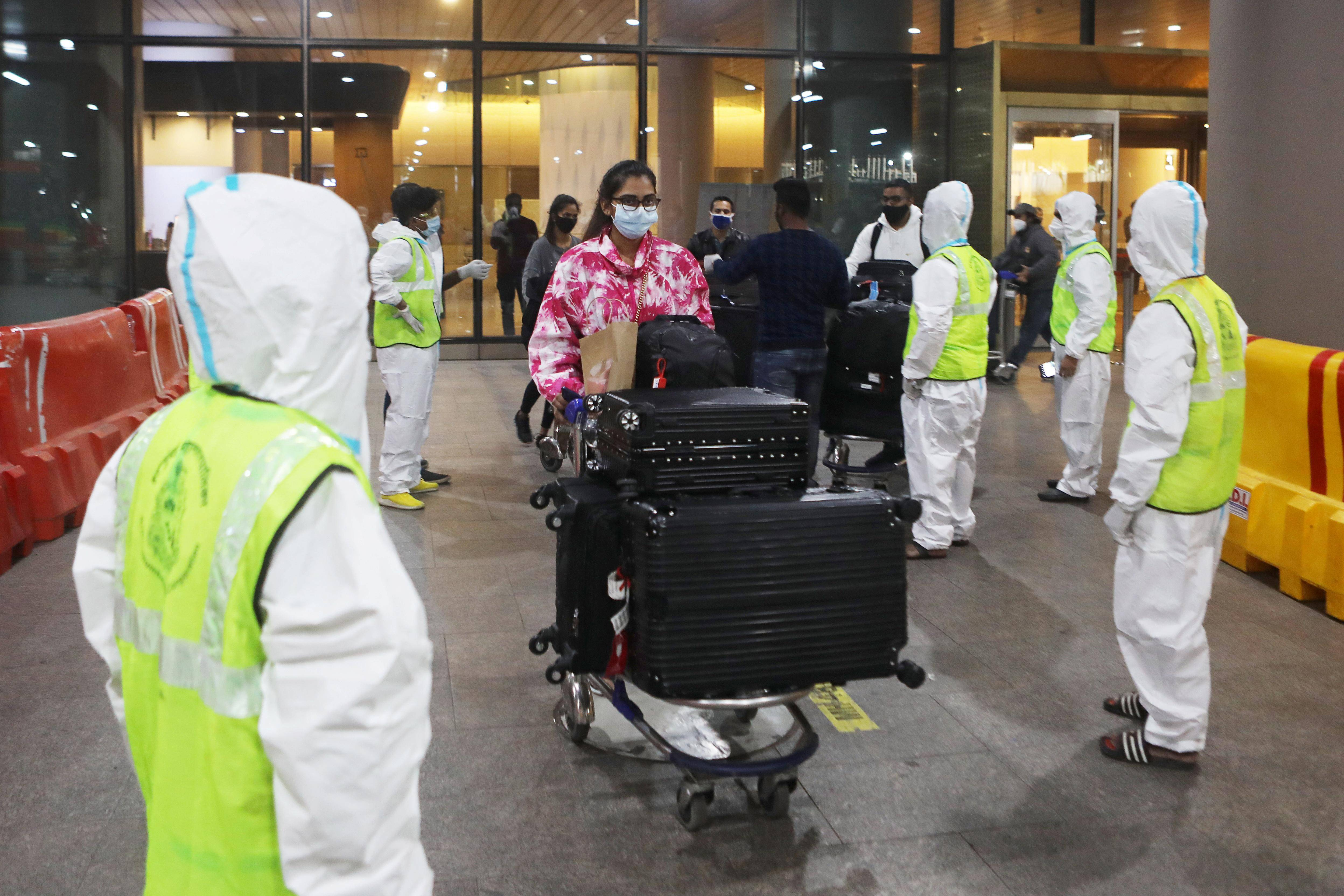 Coronavirus: India extends Covid-19 restrictions