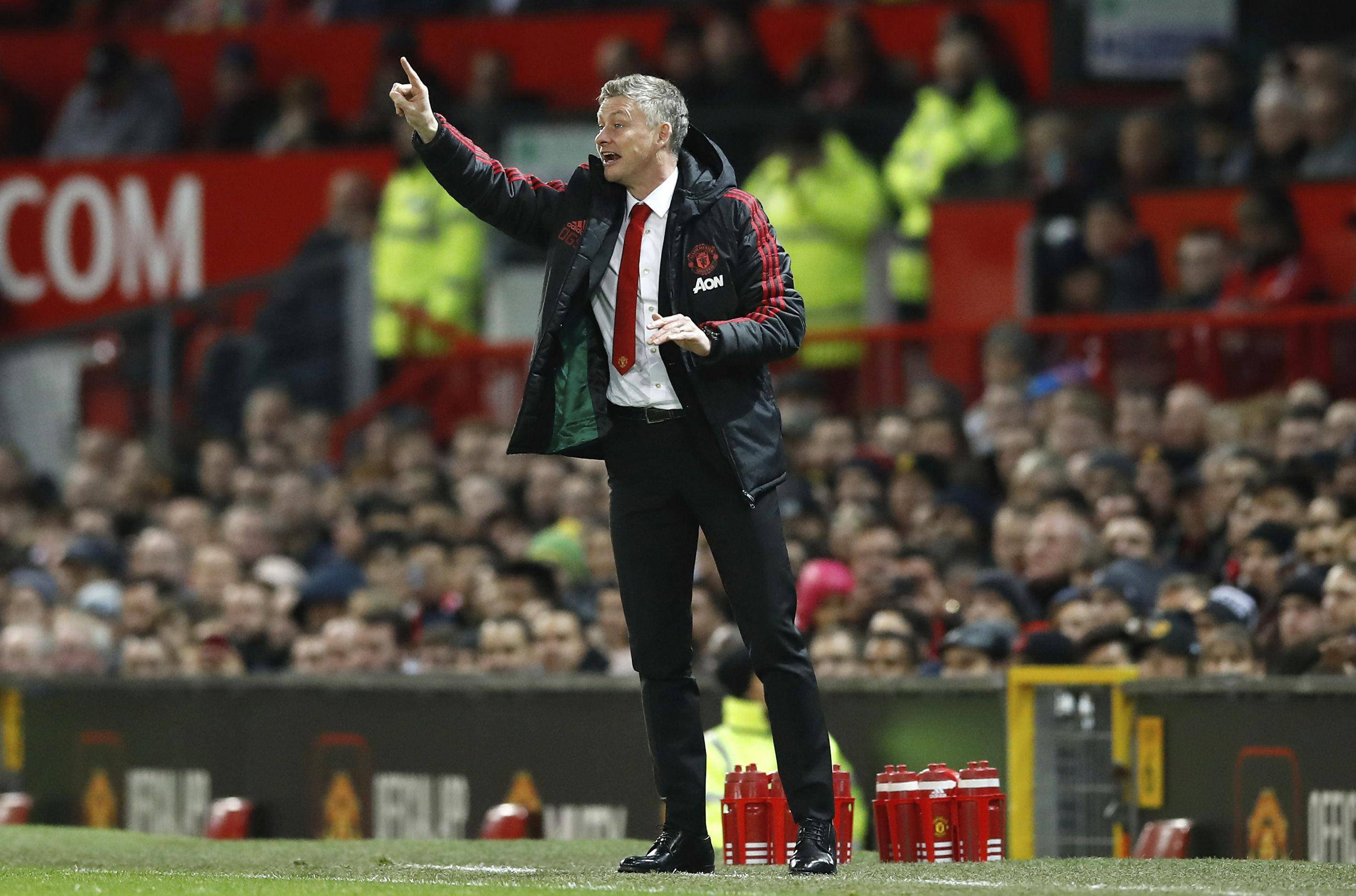 Man Utd win at Liverpool would be 'upset', says Solskjaer