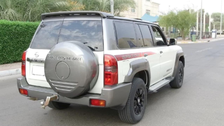 UAE: Dh2,000 fine, 12 black points for driving a noisy car