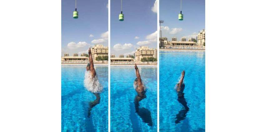 Video: World's highest jump out of water wearing a monofin