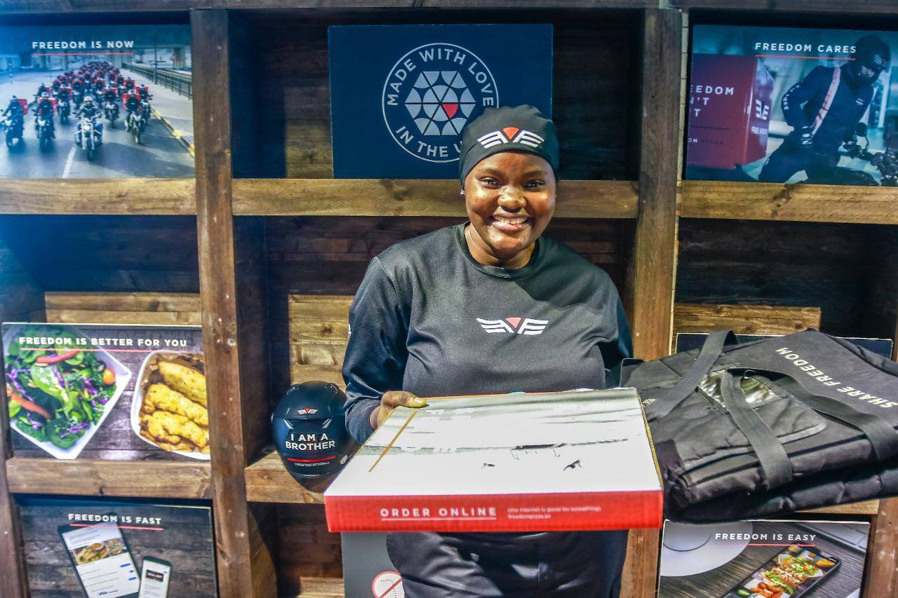 Meet Gift Solomon, perhaps, UAE's first woman food delivery rider - News    Khaleej Times 27-12 months-previous nigerian makes historical past as she turns into uae's first feminine supply rider 27-12 months-Previous Nigerian Makes Historical past As She Turns into UAE's First Feminine Supply Rider EP 210329549