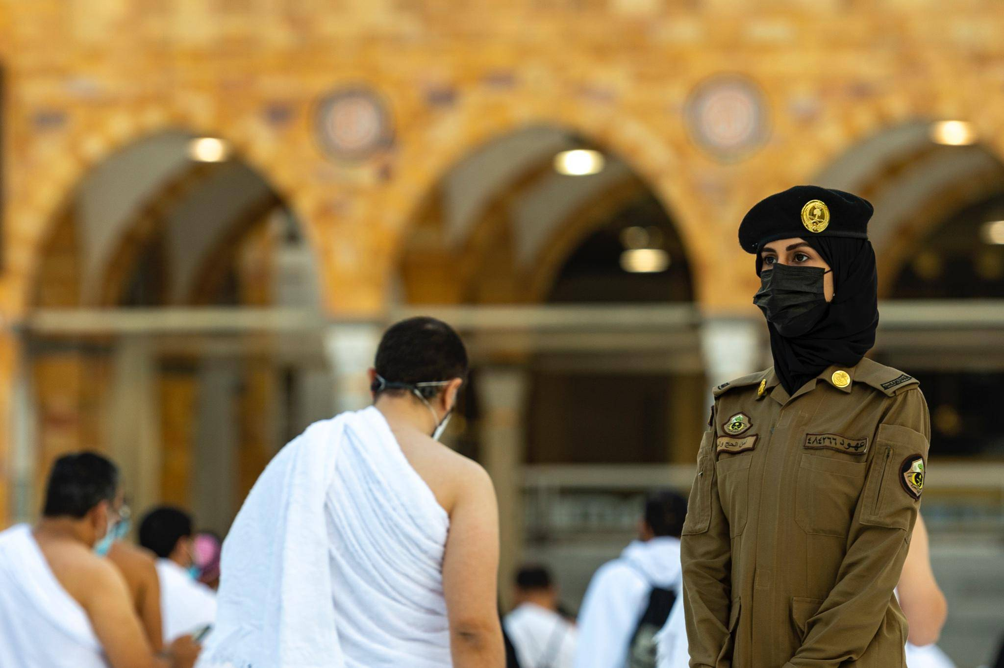 Look: Women guards on duty at Saudi Arabia's Grand Mosque