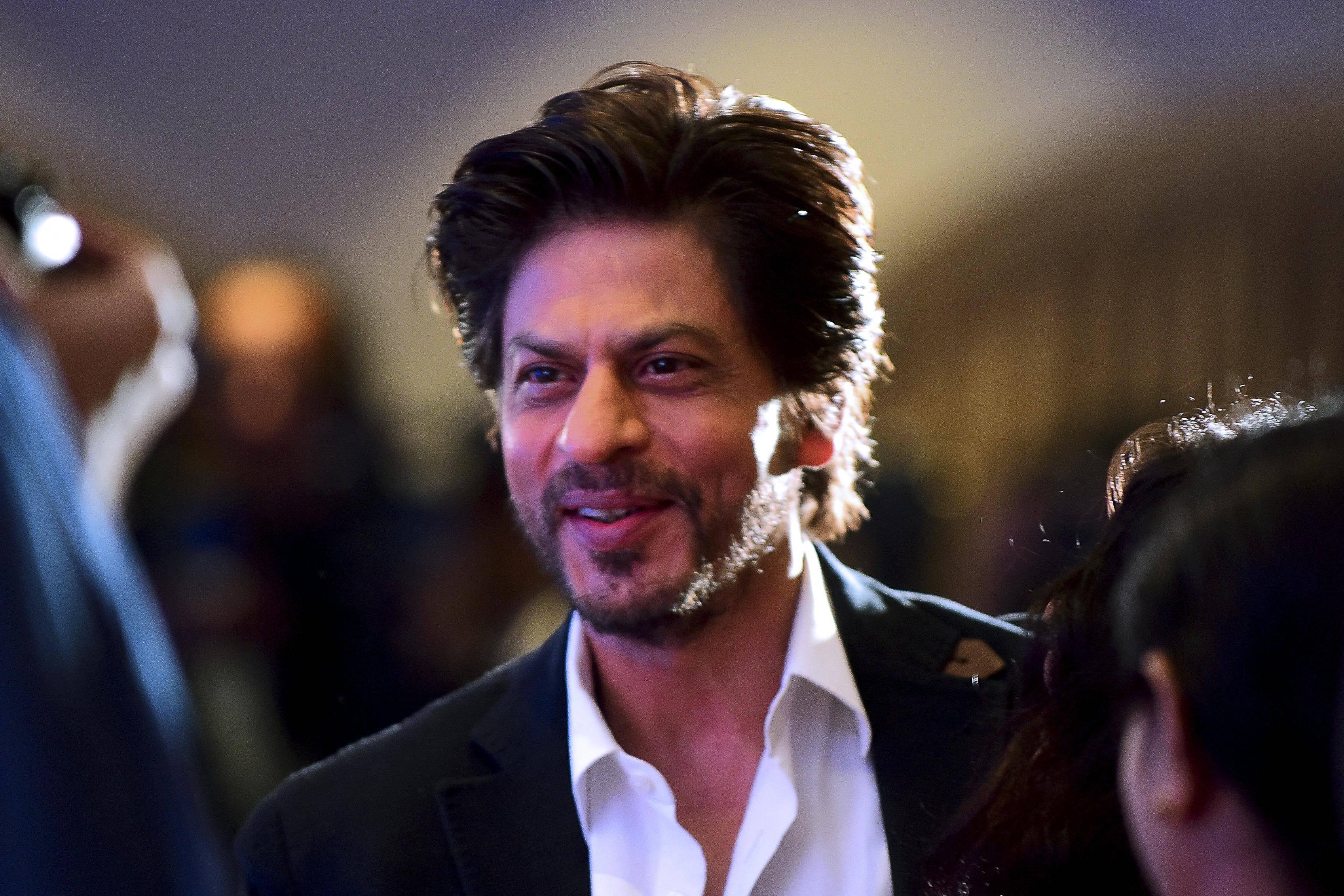 Bollywood: Shah Rukh Khan responds to Tom Hiddleston's appreciation for him