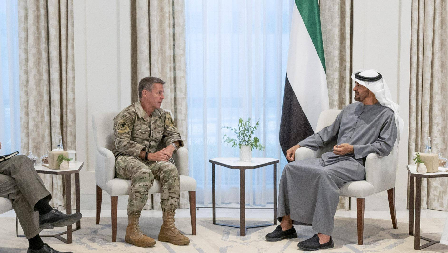 Sheikh Mohamed meets US Nato Commander for Afghanistan