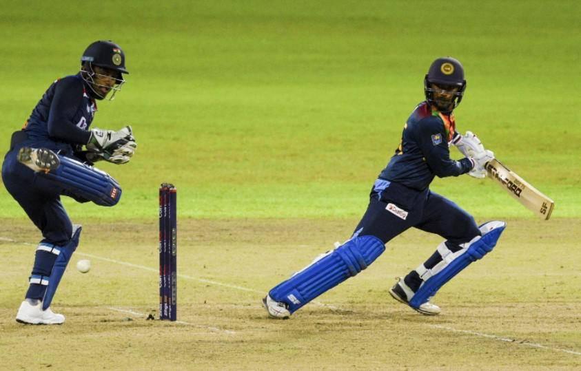 Sri Lanka beat India to keep T20 series alive