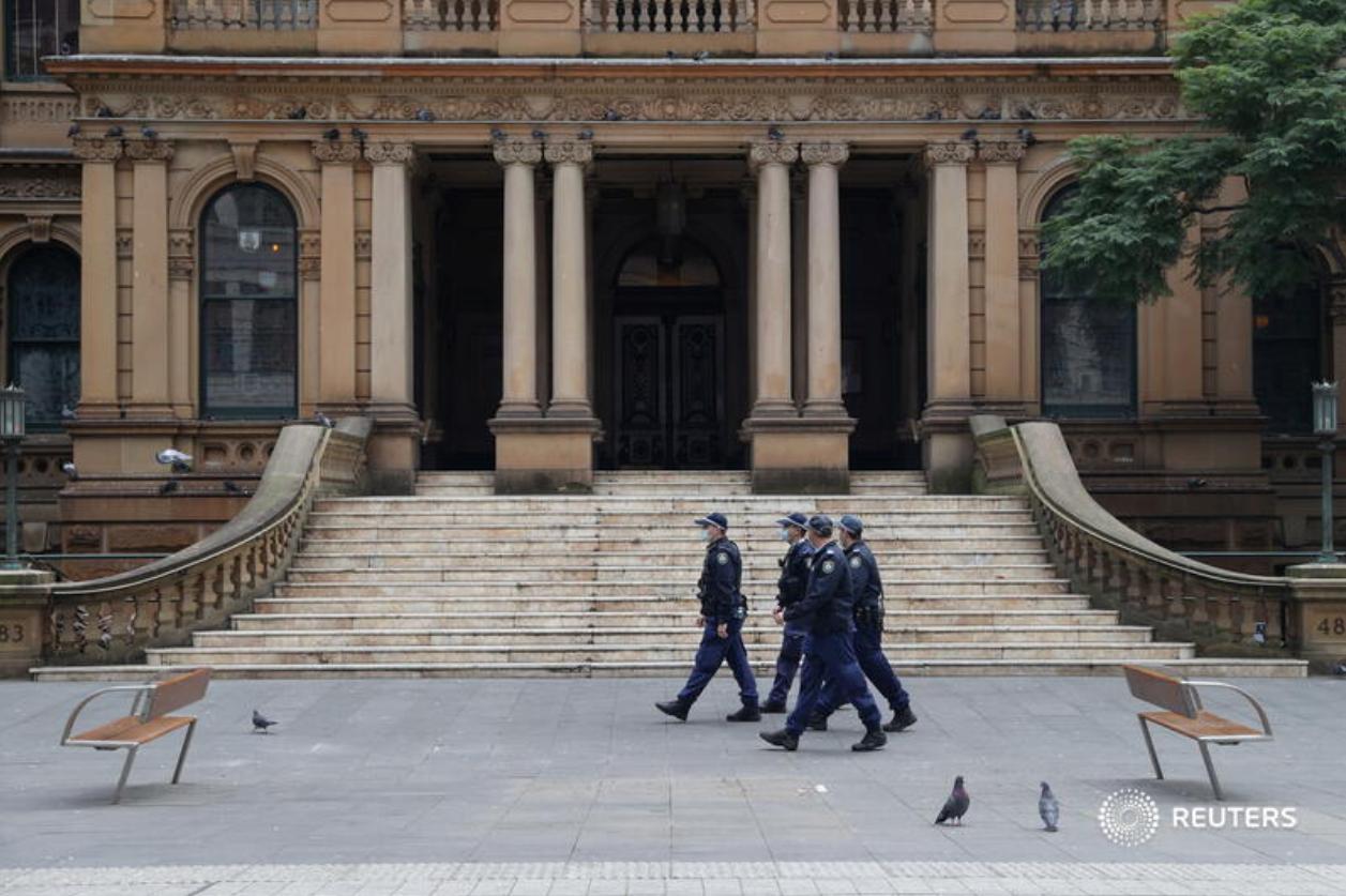 Covid-19: Australian city extends lockdown