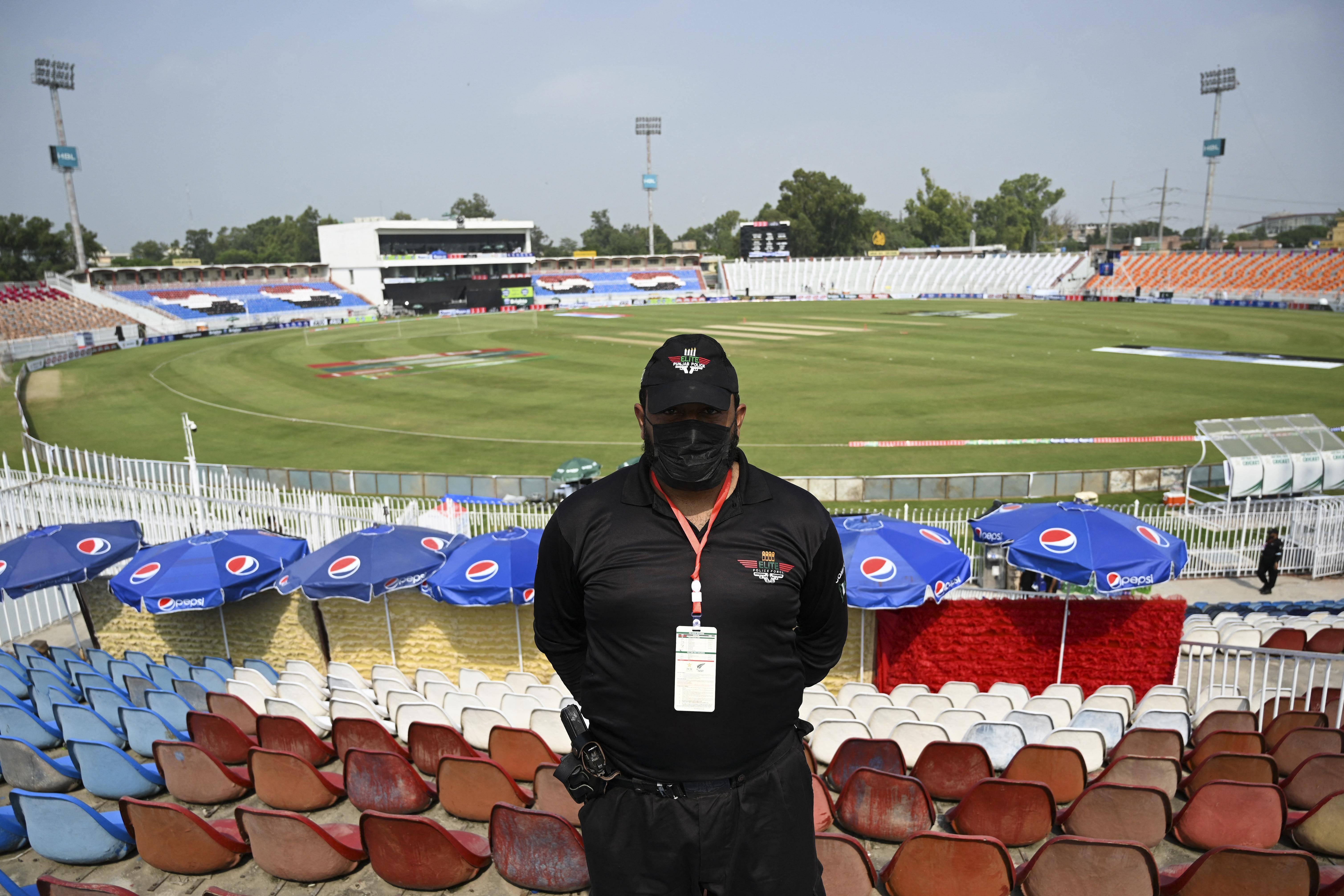 England series in doubt after New Zealand abandon Pakistan tour