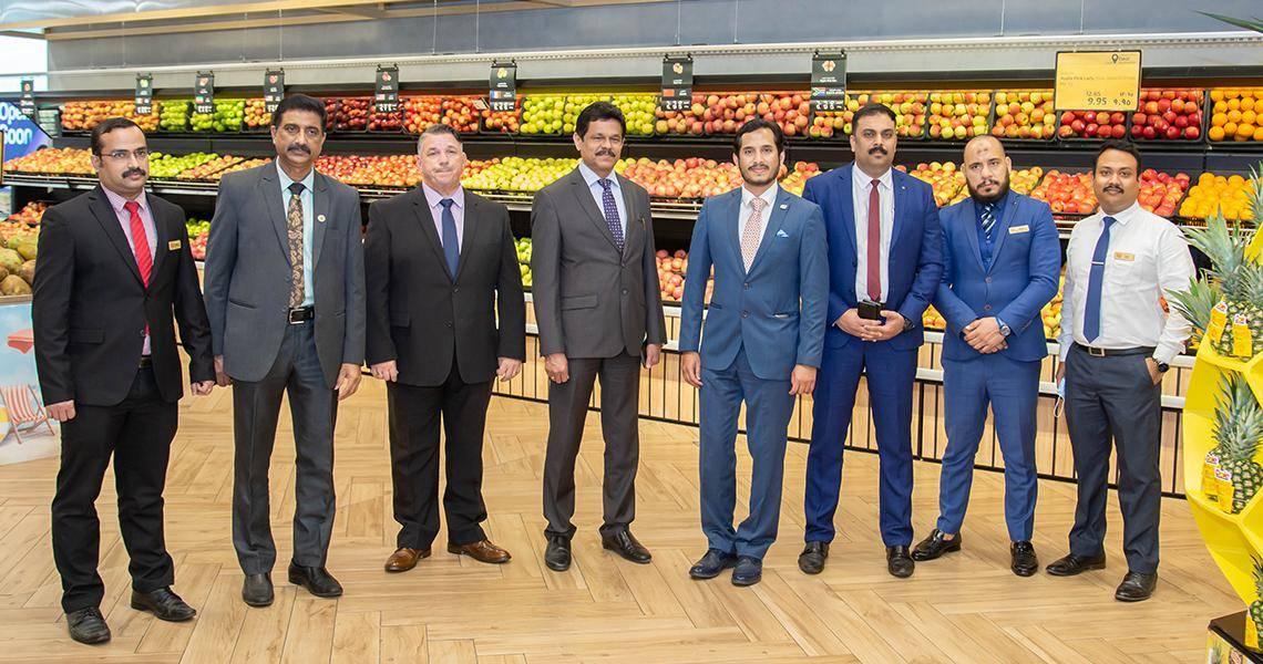 LuLu Group nhận Giải thưởng Xuất sắc về Dịch vụ và Kinh doanh Dubai danh giá