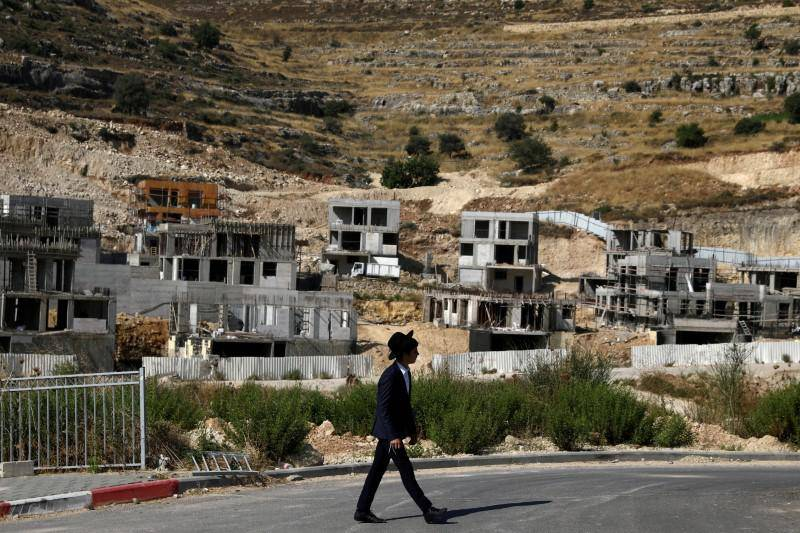 Israel to build over 1,300 new West Bank settler homes